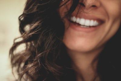Čiščenje zobnega kamna za boljšo ustno higieno